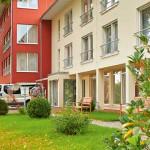 Außenansicht mit Garten vom Pflegeheim Wolfenbüttel