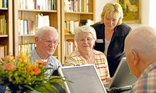 PC-Kurs für Bewohner im Pflegewohnstift Babelsberg