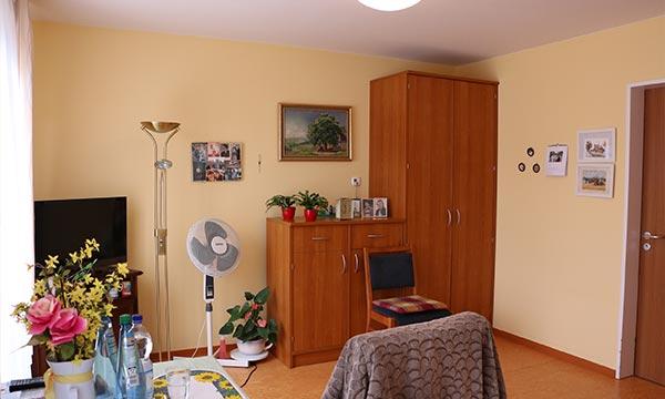Altenheim-Potsdam-Pflegewohnstift-Babelsberg-Einzelzimmer